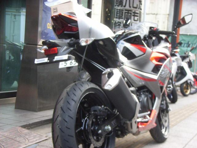 カワサキ Ninja 400 ABS 最新型の画像(東京都