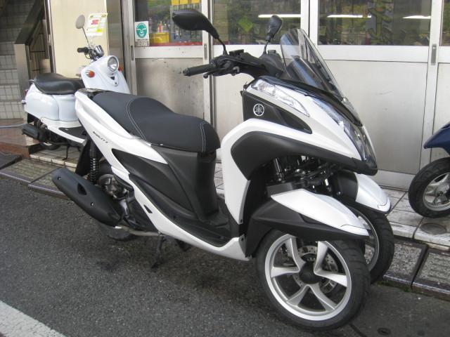 ヤマハ トリシティ ノーマル SE82J ホワイトの画像(東京都