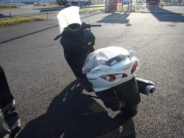 スズキ バーグマン200 ホワイトの画像(茨城県
