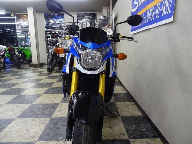 スズキ GSR750 ブルー・ホワイトスペシャル 国内モデル '14の画像(千葉県