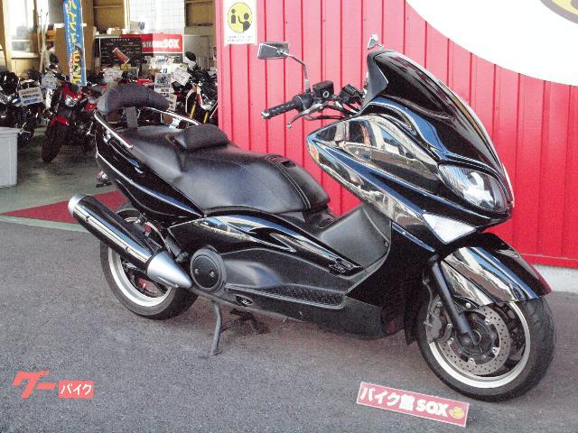 ヤマハ TMAX500 2005年モデル ミツバ製ホーン レバー バックレスト フェンダーレス USB電源の画像(埼玉県