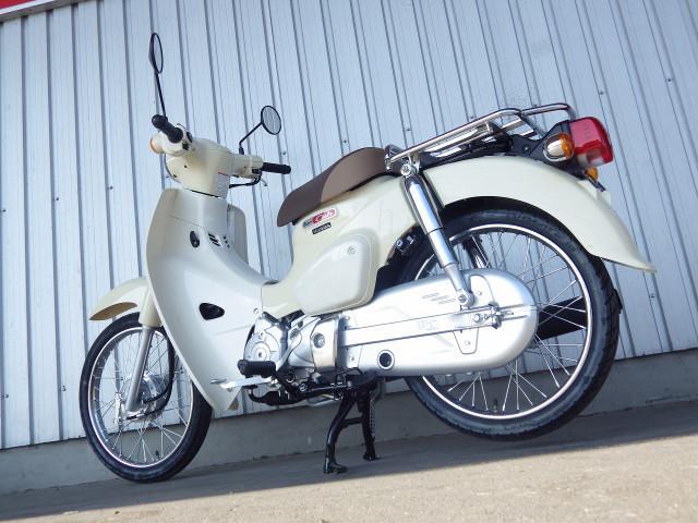 ホンダ スーパーカブ50 国内最新モデル ベージュの画像(千葉県