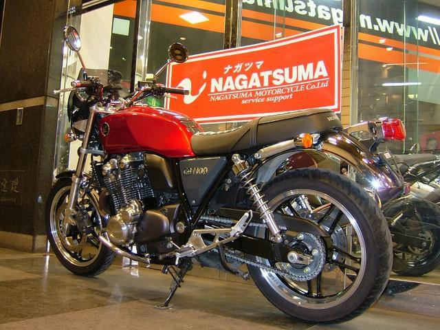 ホンダ CB1100 2010年モデル タイプ1 ドレスアップパーツ多数装着の画像(東京都