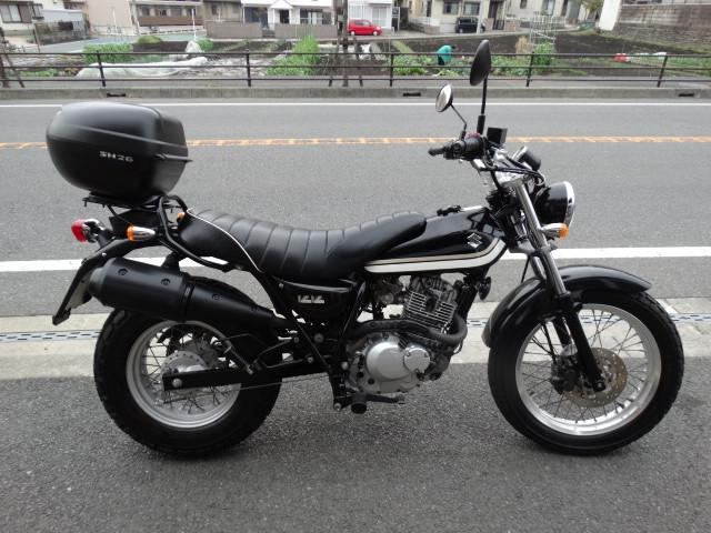 スズキ バンバン200  リアキャリアボックス付 インジェクション車の画像(神奈川県