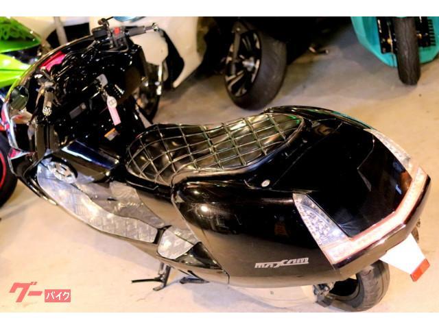 ヤマハ マグザム後期型SHOWCASE製カーボンフェイスマスクLEDウインカーテール2スピーカーBLACKOUTの画像(埼玉県