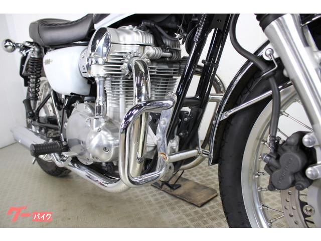 カワサキ W800 エンジンガードの画像(東京都