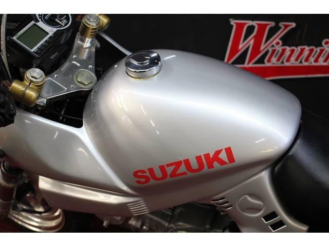 ホンダ モンキー 社外パーツ多数 フルカスタム車 GSX刀フルカウルキット装着の画像(千葉県