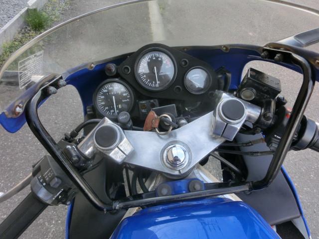 ホンダ CBR250R 前後タイヤ新品 キャブオーバーホール クォーターマルチの画像(北海道