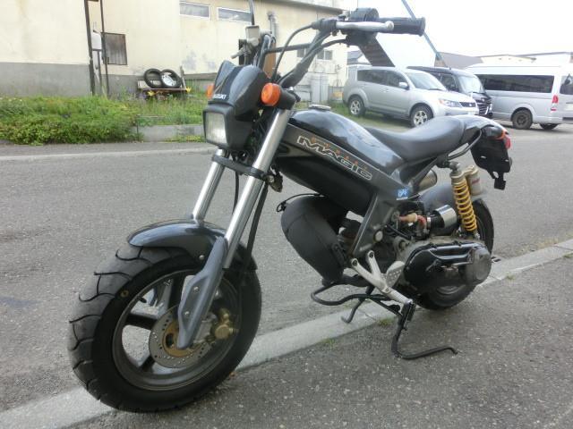 スズキ ストリートマジック50II TR50S タイヤ前後新品の画像(北海道
