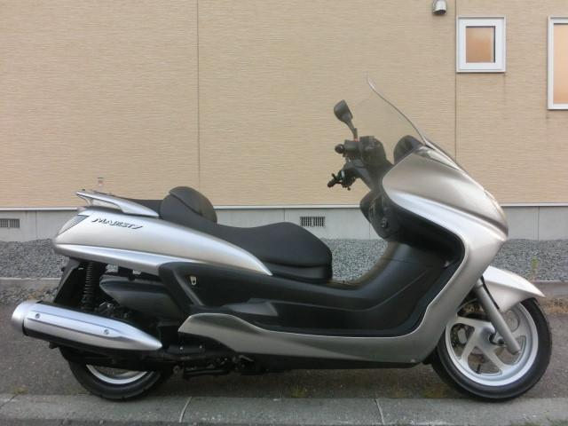 ヤマハ グランドマジェスティ250 タイヤ前後新品の画像(北海道