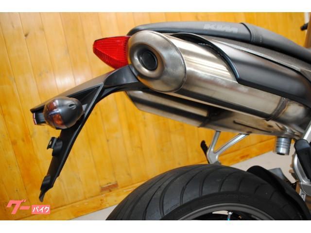 KTM 990スーパーデューク・社外スクリーン・カスタムペイントの画像(東京都