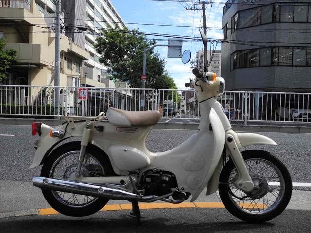 ホンダ リトルカブ PGM-FI バージンベージュの画像(東京都
