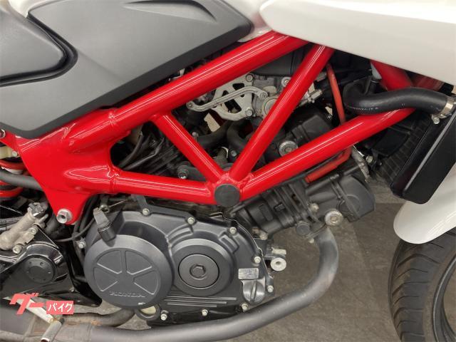 ホンダ VTR250F リアボックス装備・2013年モデルの画像(千葉県