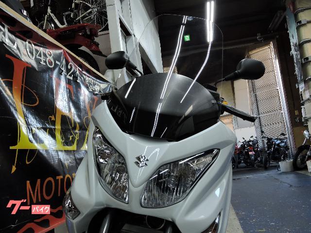 スズキ バーグマン200 新車 最新モデル ホワイトの画像(埼玉県