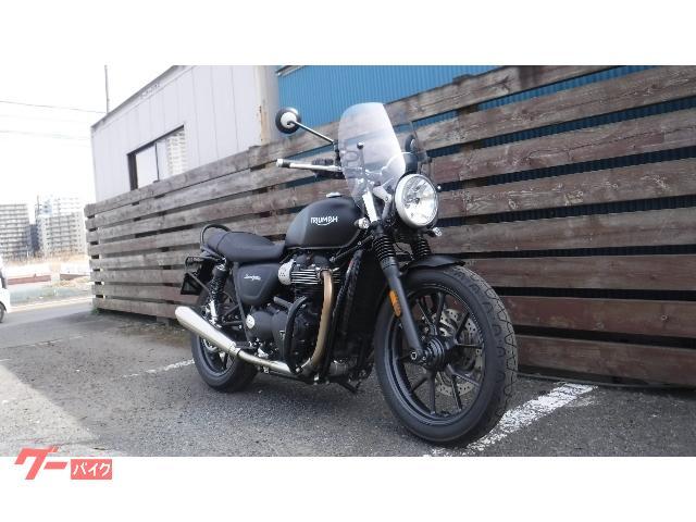 TRIUMPH ストリートツイン サイドバック付 マッドブラックの画像(神奈川県