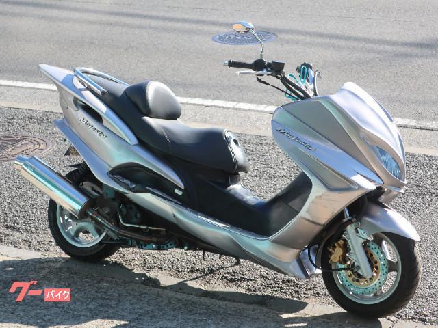 マジェスティ125 FI シルバー フルエアロ 社外マフラー
