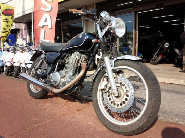ヤマハ SR400 ディスクブレーキ ブラックの画像(埼玉県