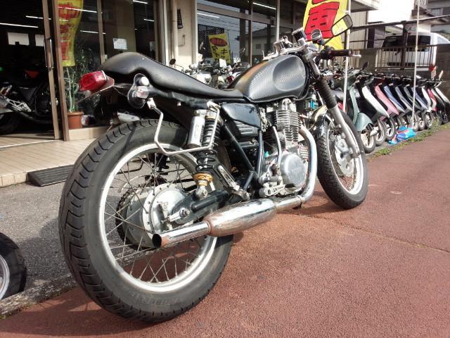 ヤマハ SR400 セパハン ブラックの画像(埼玉県