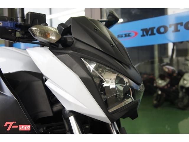 カワサキ Z250 パールホワイト マットサイレンサー スポーツメッシュシートの画像(埼玉県