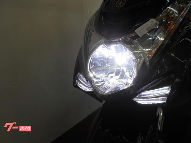 LEDヘッドライトで夜間走行も安全です!