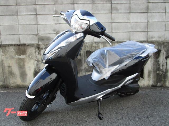 ホンダ リード125 新車 ツートーン 最新モデルの画像(東京都