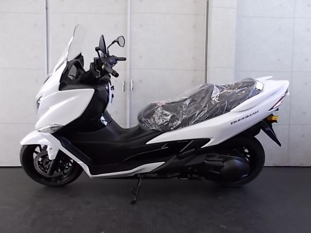 スズキ バーグマン400 ABS LEDヘッドライト標準の画像(大阪府