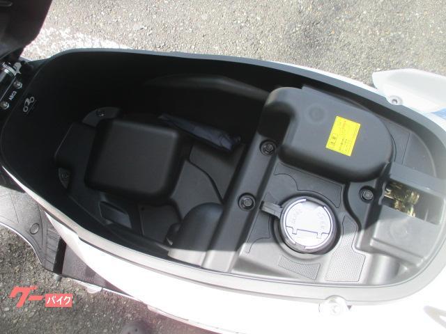 KYMCO GP125i ホワイト 正規輸入車両の画像(大阪府