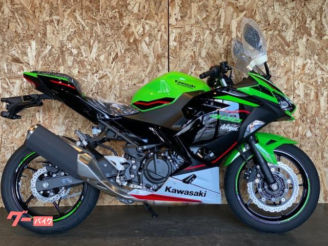 Ninja 400 KRT仕様 2022年モデル