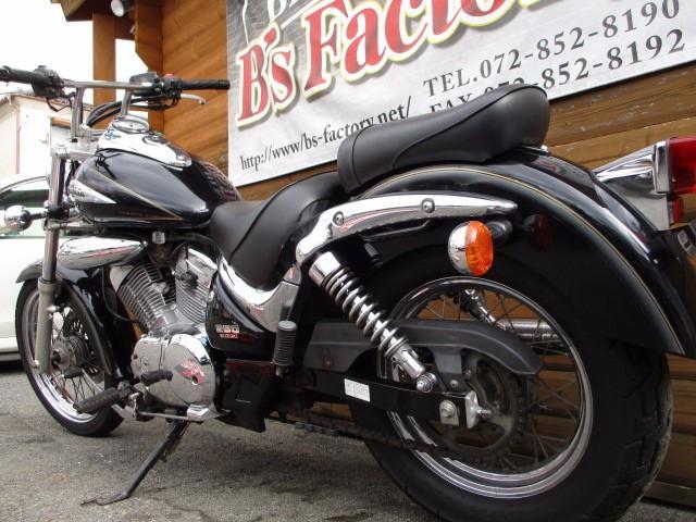 スズキ イントルーダーLC250 ハンドルTバー装着 2000年モデルの画像(大阪府