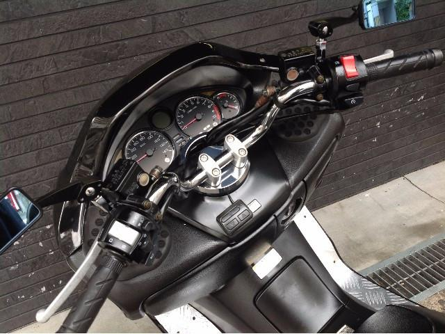 ホンダ フォルツァ・Z ツインマフラー クリアテール エアロマスクの画像(大阪府
