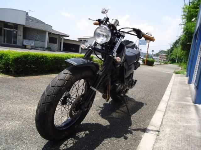 ヤマハ TW225E マフラー改 テールランプ改の画像(兵庫県