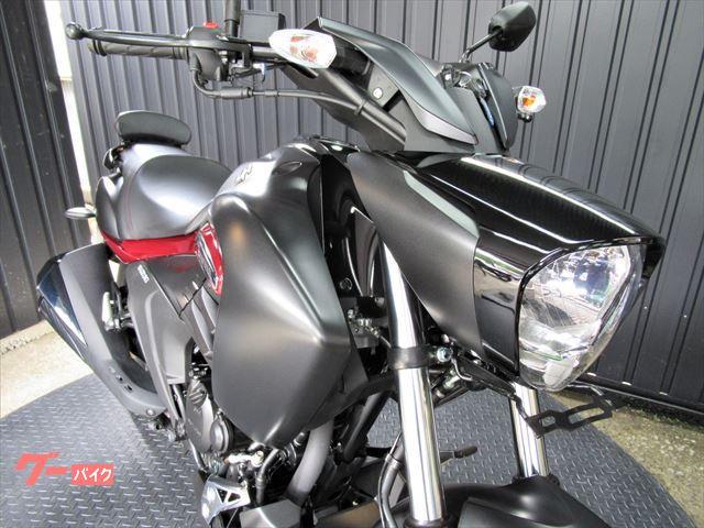 スズキ イントルーダー150 ABS バックレスト装備 マッドブラックの画像(大阪府