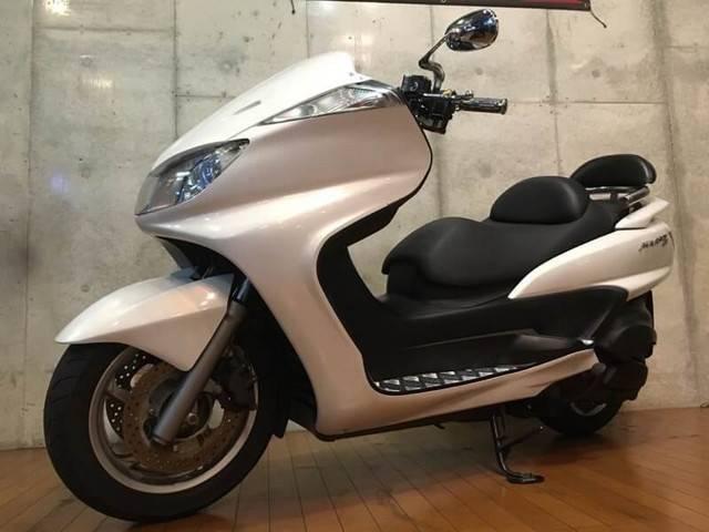 ヤマハ グランドマジェスティ400 バックレスト装備フロントフェイス装着の画像(大阪府