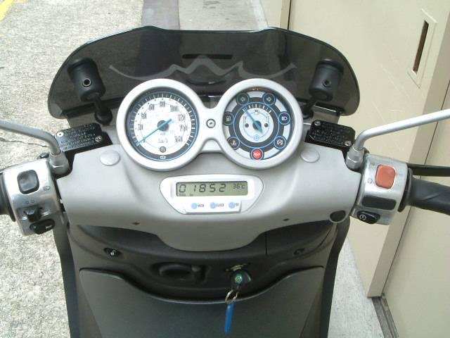 PIAGGIO ビバリー125 ミッドサイズ16インチ型 リーダーEg搭載モデルの画像(大阪府