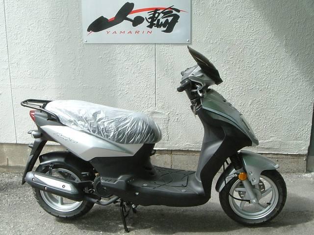 シンプリー125 日本正規仕様 12インチホイール型 タウンスクーターモデル