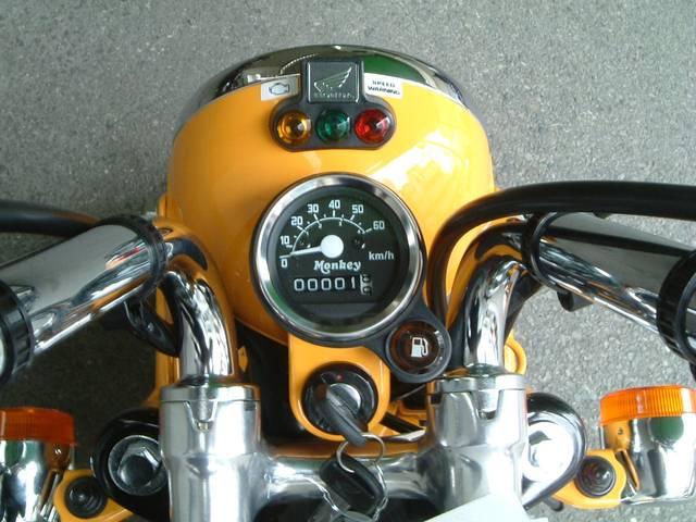 ホンダ モンキー 盗難抑止警報機・作動灯装備 FI燃料噴射式型モデルの画像(大阪府