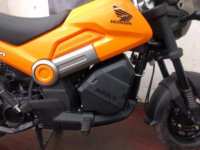 ホンダ NAVI110 オレンジ 純正ラゲッジボックス装着タイプの画像(京都府
