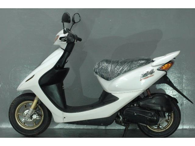 ホンダ スマートDio Z4 インジェクションモデル バッテリー新品 タイヤ前後新品の画像(兵庫県