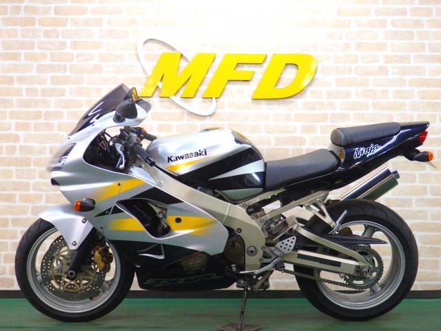 カワサキ Ninja ZX-9R F型 2002年モデル MRAスモークスクリーンの画像(大阪府