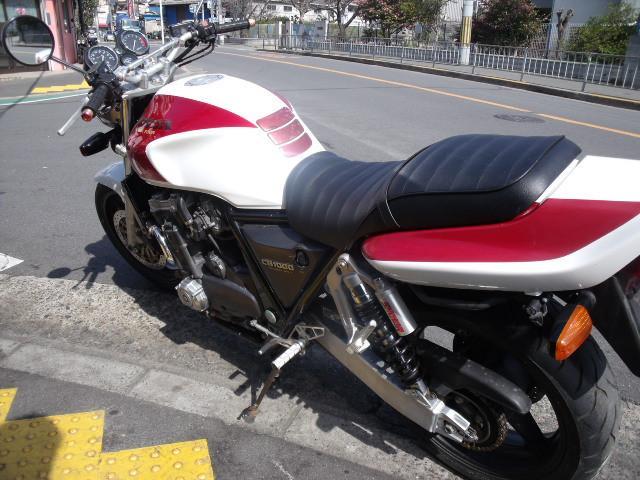 ホンダ CB1000Super Four マフラーバックステップハンドル改の画像(大阪府
