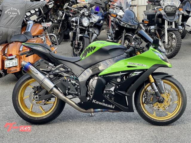 Ninja ZX−10R マルケジーニホイール ナイトロンリアサス トリックスタースリップオンマフラー カスタム多数