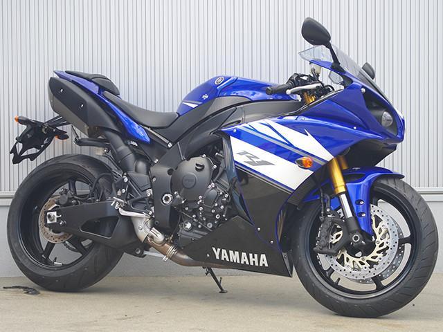 ヤマハ YZF-R1 前後タイヤ新品の画像(福岡県