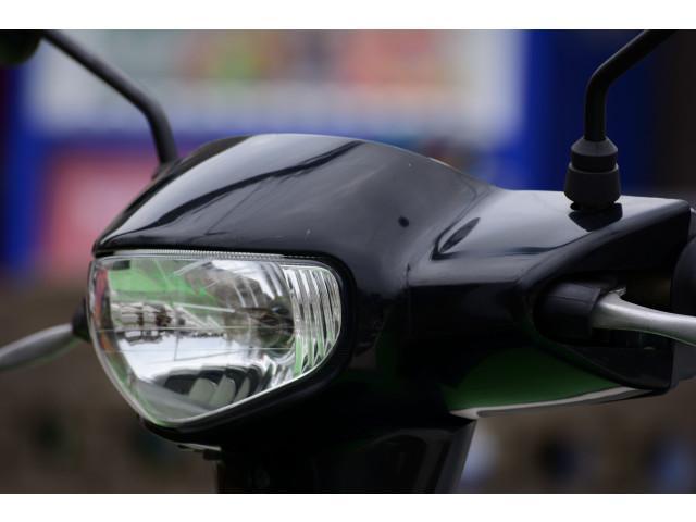 スズキ レッツ4 バッテリー タイヤ シート新品の画像(福岡県