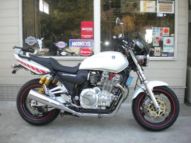 ヤマハ XJR1300 パールホワイトの画像(長崎県