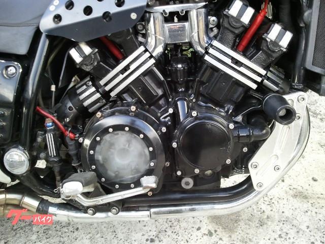 ヤマハ VMAX  カーボン柄・マフラー・スケルトンカバーの画像(福岡県