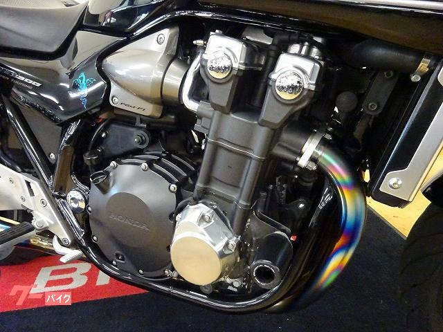 ホンダ CB1300Super ツーリング ワイバンチタンマフラーの画像(宮城県