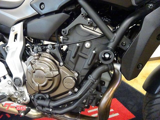 ヤマハ MT-07 エンジンスライダー USB電源の画像(宮城県