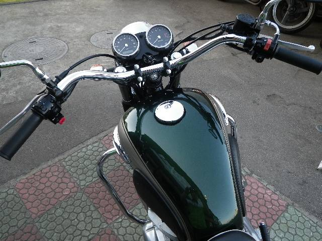 カワサキ W650 アップハンドル オプションエンジンガード装着 1380の画像(秋田県