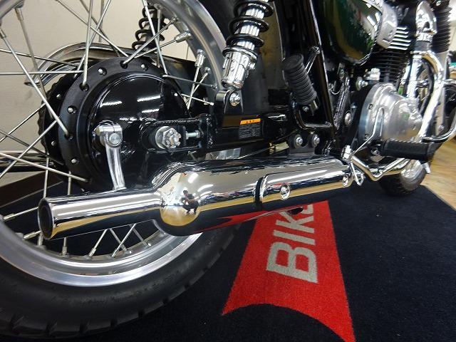 カワサキ W800 ワンオーナー 純正オプションエンジンガードの画像(宮城県