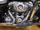 HARLEY-DAVIDSON FLHX ストリートグライド KERKERマフラー エンジンガード装備の画像(群馬県